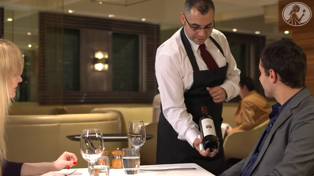 How to serve a bottle of red wine in a restaurant
